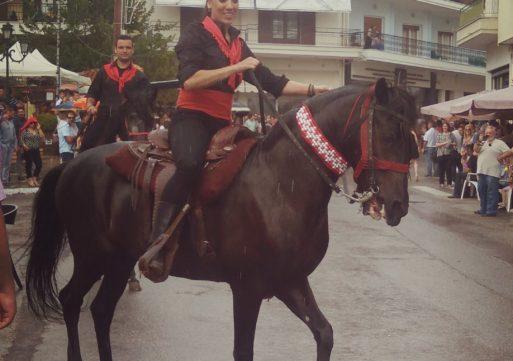 Η παρέλαση των καβαλάρηδων στη Σιάτιστα